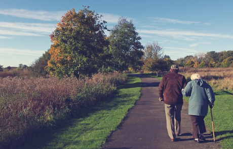 ההורים מעוניינים לעבור לבית אבות? בדקו את זכאותם לסיוע במימון
