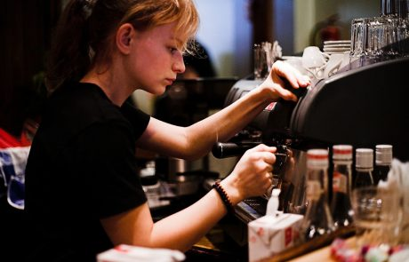 זכויות בני נוער בחופשה: שכר מינימום, חופשה והפסקות